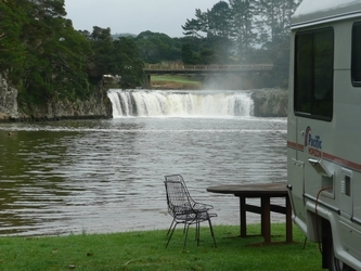 Paihia Falls Motel and Waterfront Campground mit Haruru Falls