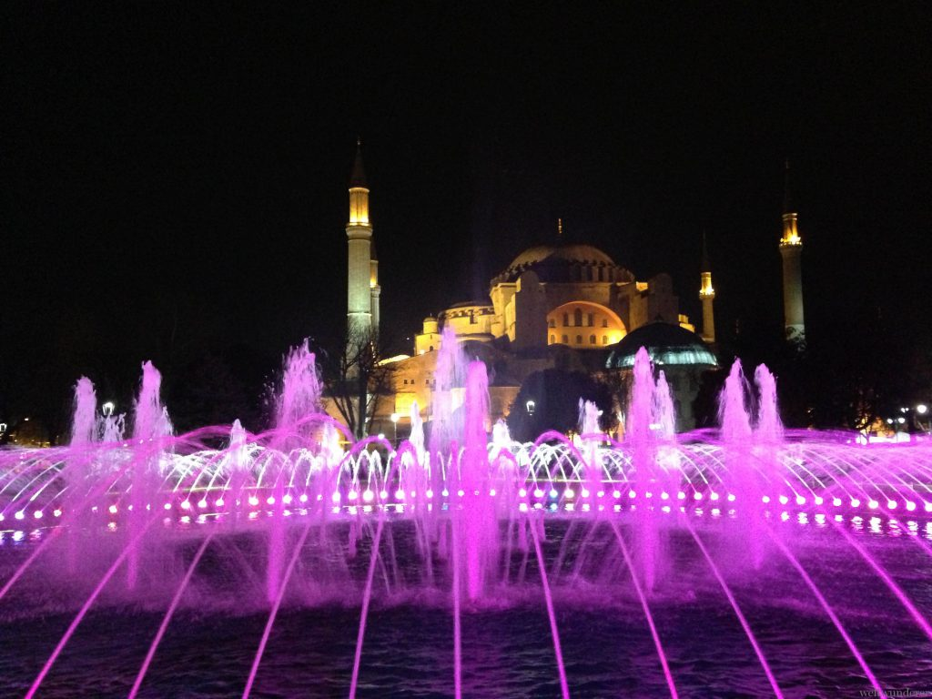 Aya Sofya by night