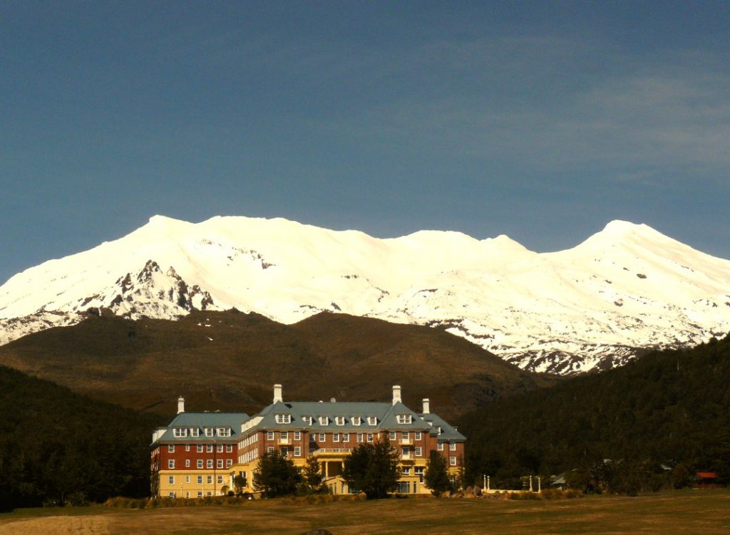 Hotels in Neuseeland The Chateau Hotel Tongariro NZ Flickr/SidPix