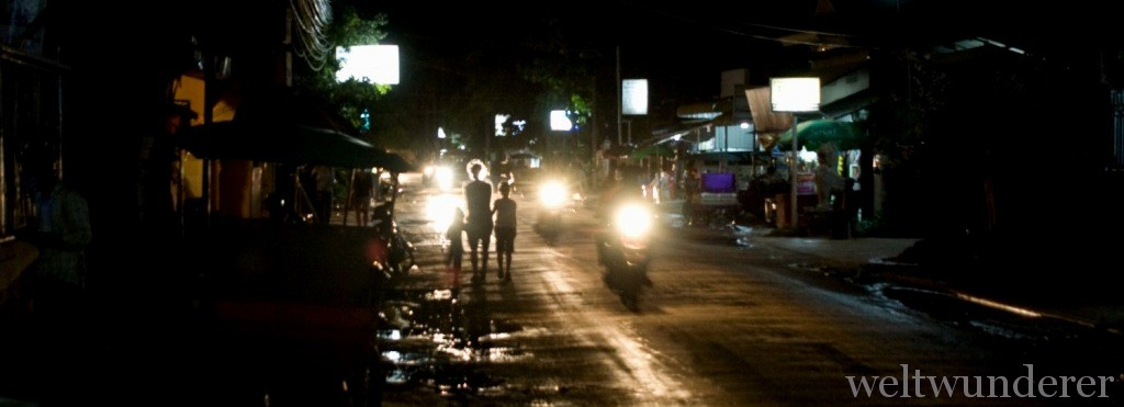 Night on the Streets of Siem Reap