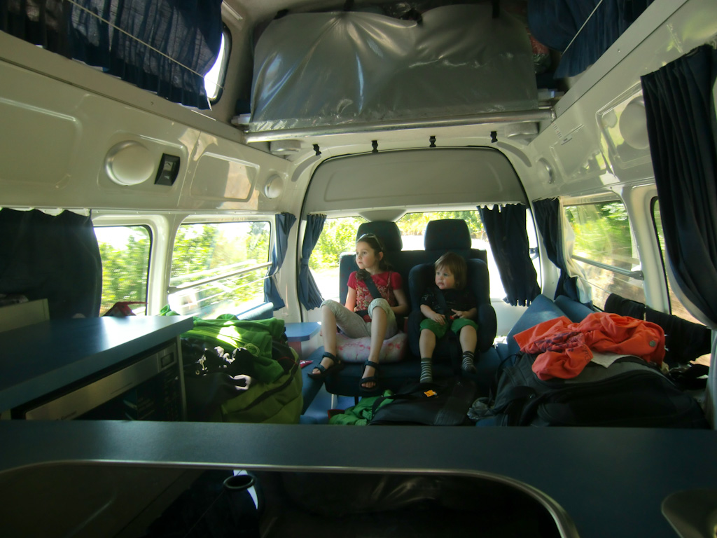 Kinder im Campervan in Neuseeland