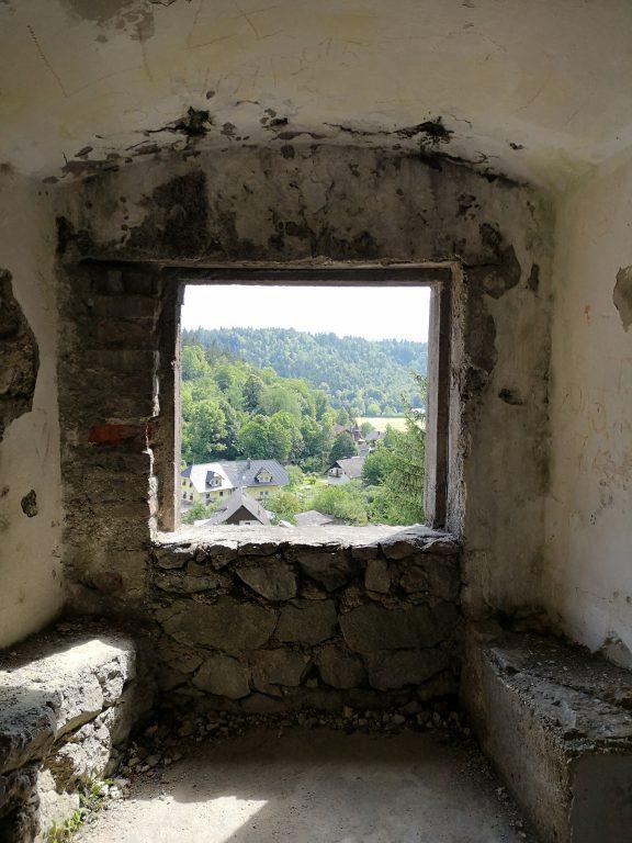 Slowenien Burg Kamen Fenster
